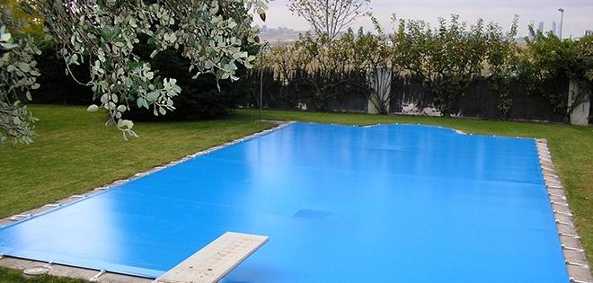 mantener piscina en invierno